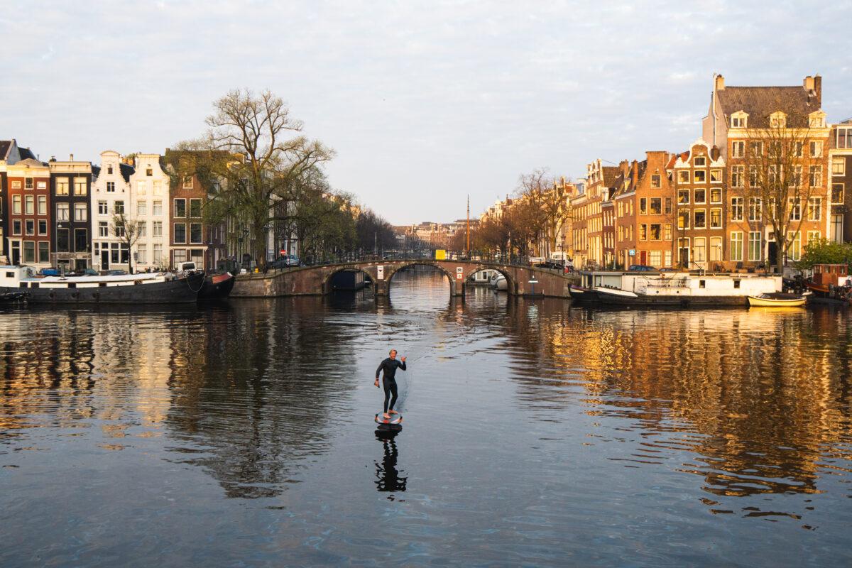 Fish foiling grachten Amsterdam - subben met propellor
