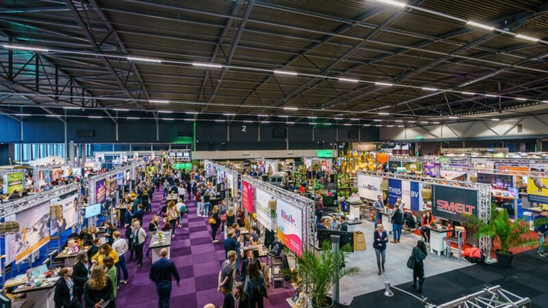 Overview-beursvloer-EventSummit-foto-Tychos-Eye-Photography