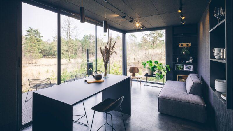 Cuber woonkamer overnachting in de natuur