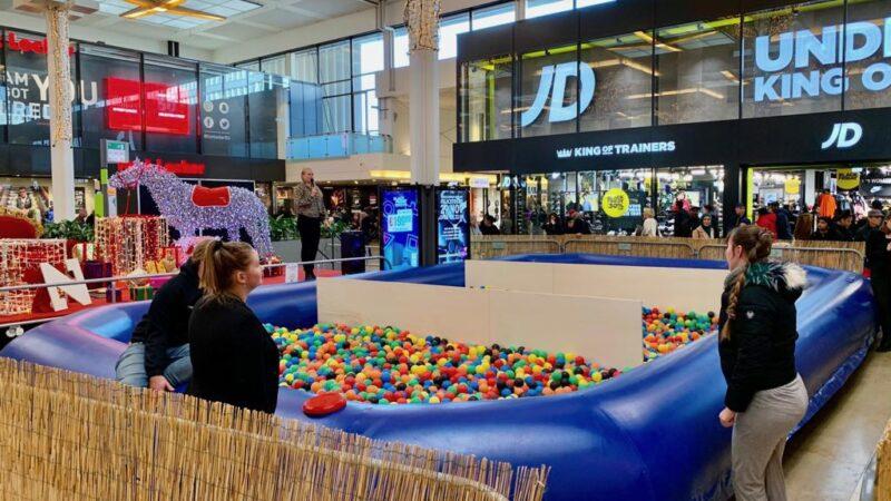 Ballenbak Productions - ballenbak voor activatie in winkelcentrum