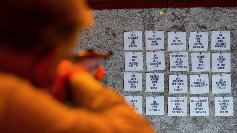 Foto Sander Boer - NXT MICE Re-Invent schieten op tegeltjeswijsheden