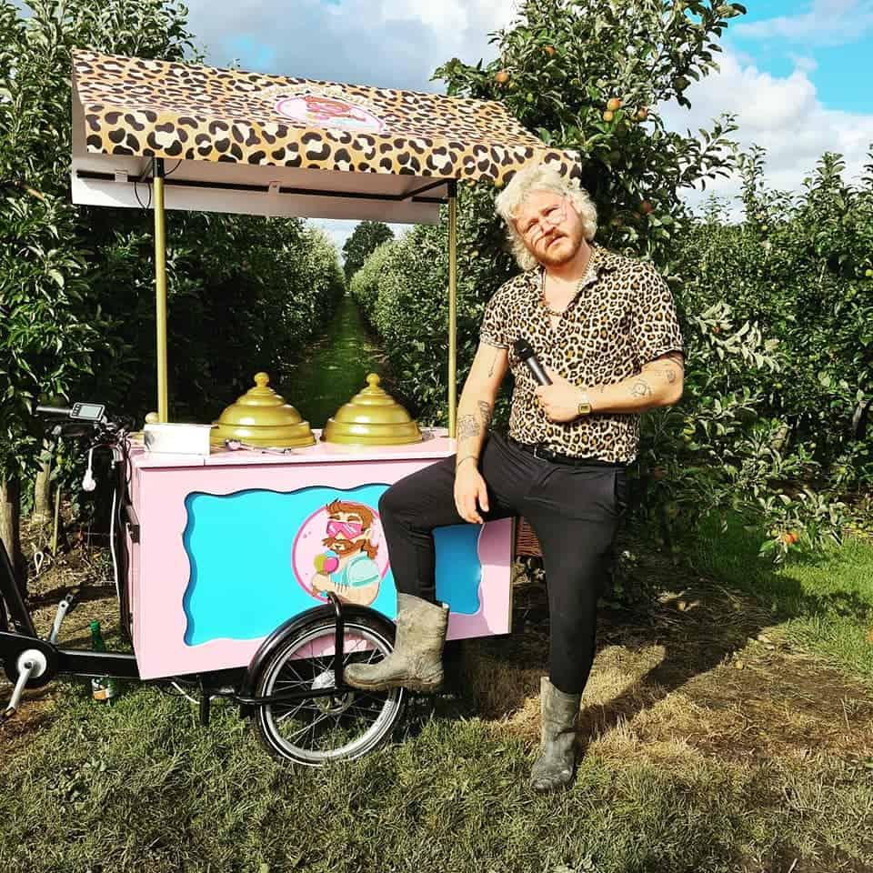 Arthur Mullet Ice Cream zingende ijsman