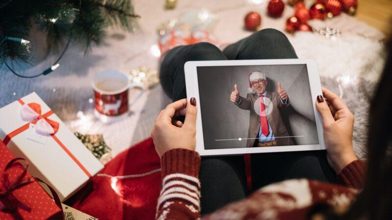 Eventz-Kerst-Carrousel-QR-code-op-een-kado